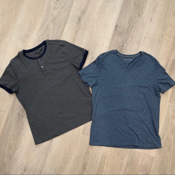 2 Banana Republic Men's T-Shirts